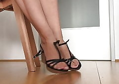 XXX wedges shoeplay distance..